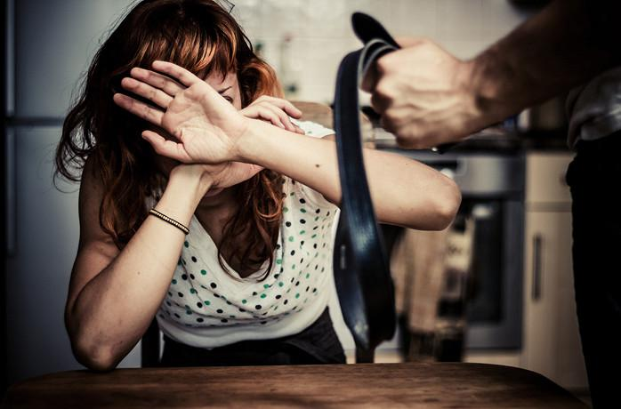 Впервые в Украине было принято решение суда о применении мужем насилия к своей жене.